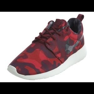 Nike Roshe One Print Red Camo Athletic Shoes 10